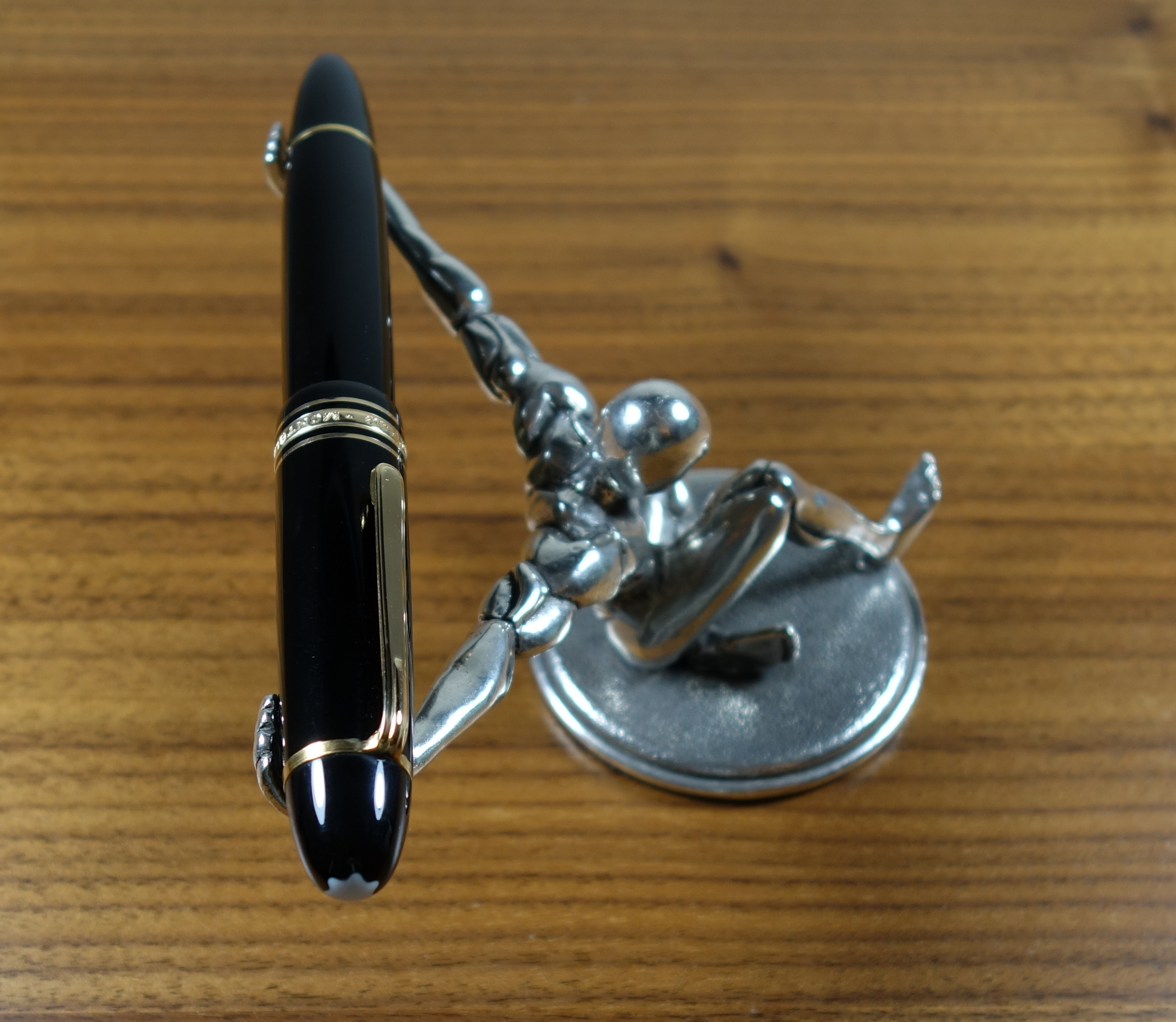 Pen Stand The Unroyal Warrant