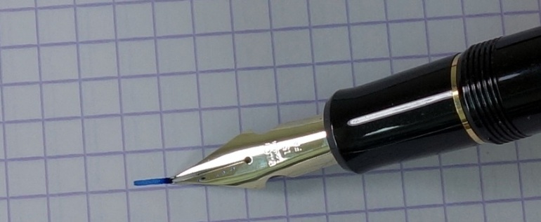 Compared to a vintage flex pen there is minimal flex when pressure is applied to the Falcon nib.